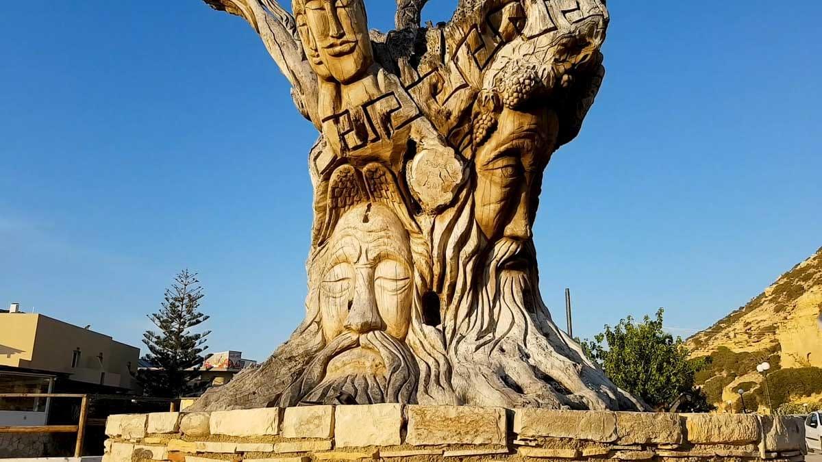 The Old Tree of 4 Mythology Gods