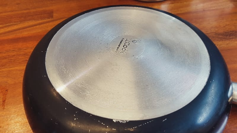 the result after trying this cleanind method for burnt bottom pans