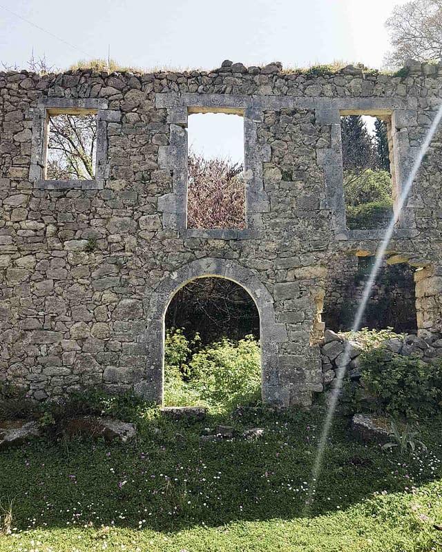 greece ruin old house