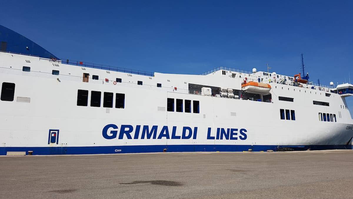 ferry from italy to greece