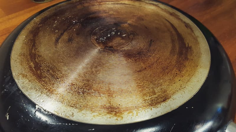 burnt bottom of pan and the solution to make it like new